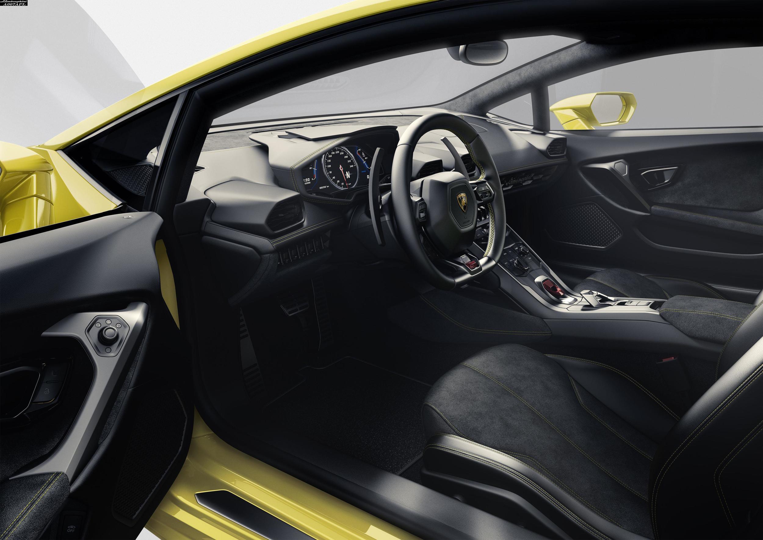 lb724_interior_(1).jpg