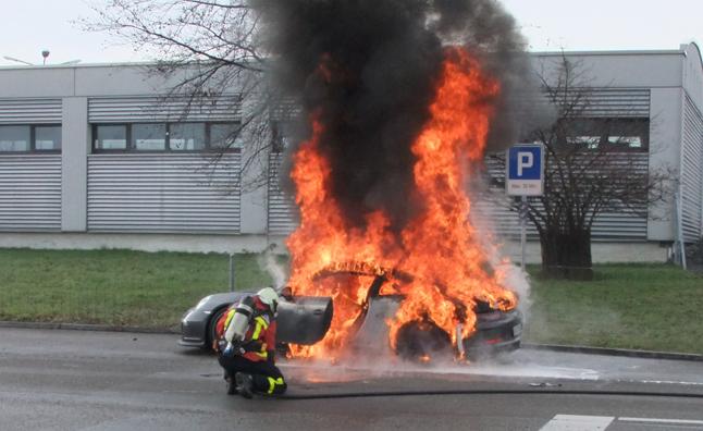 porsche-911-gt3-fire.jpg