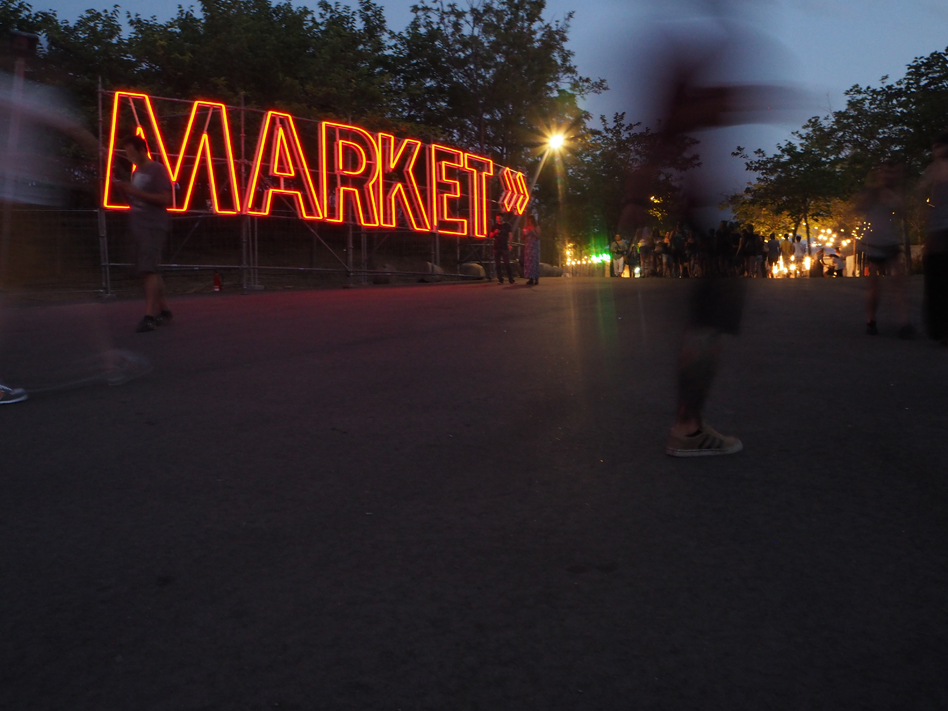 market-cruilla-festival-neon.jpg