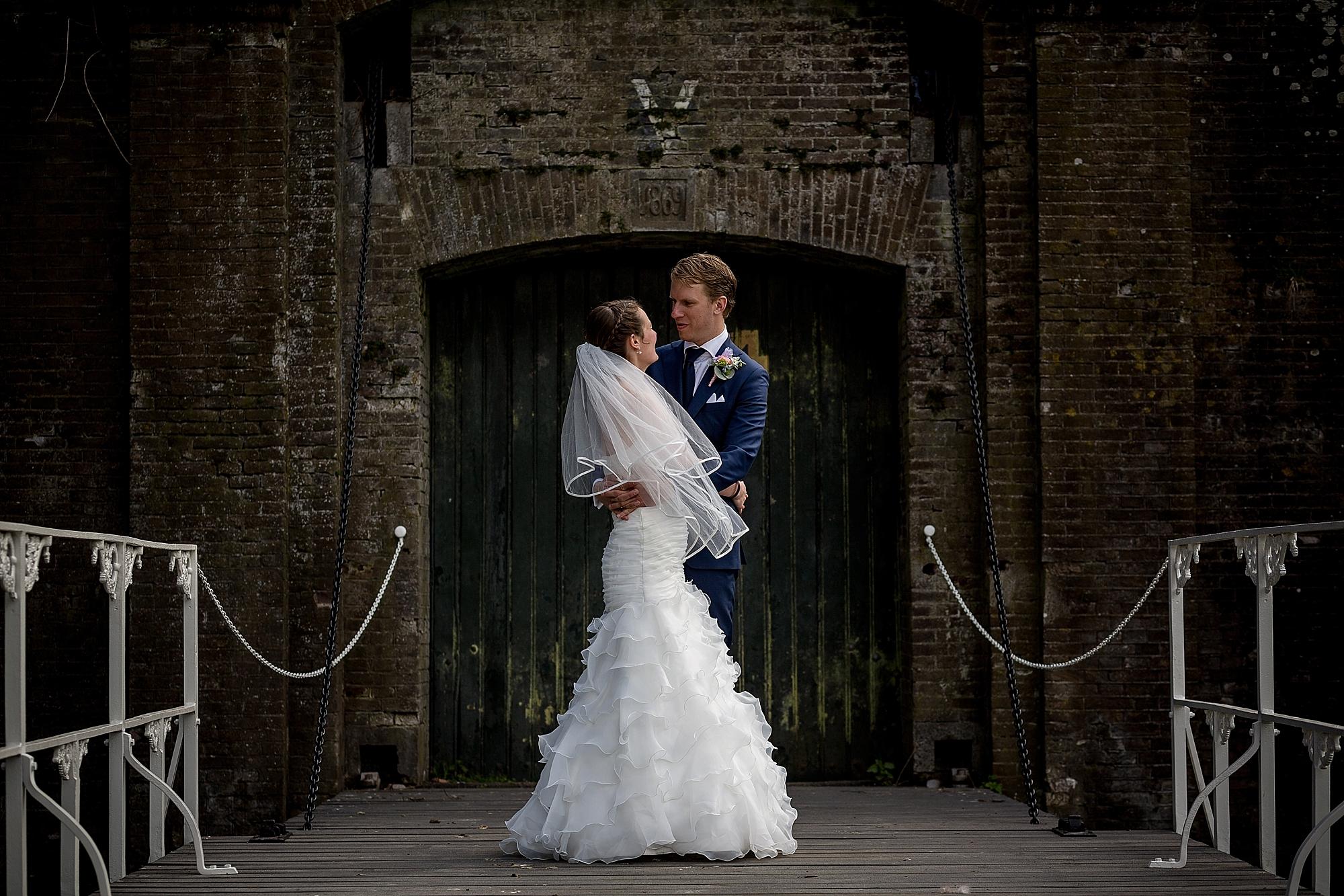 bruidsfotgraaf-utrecht-houten-fort-vechten_0015.jpg