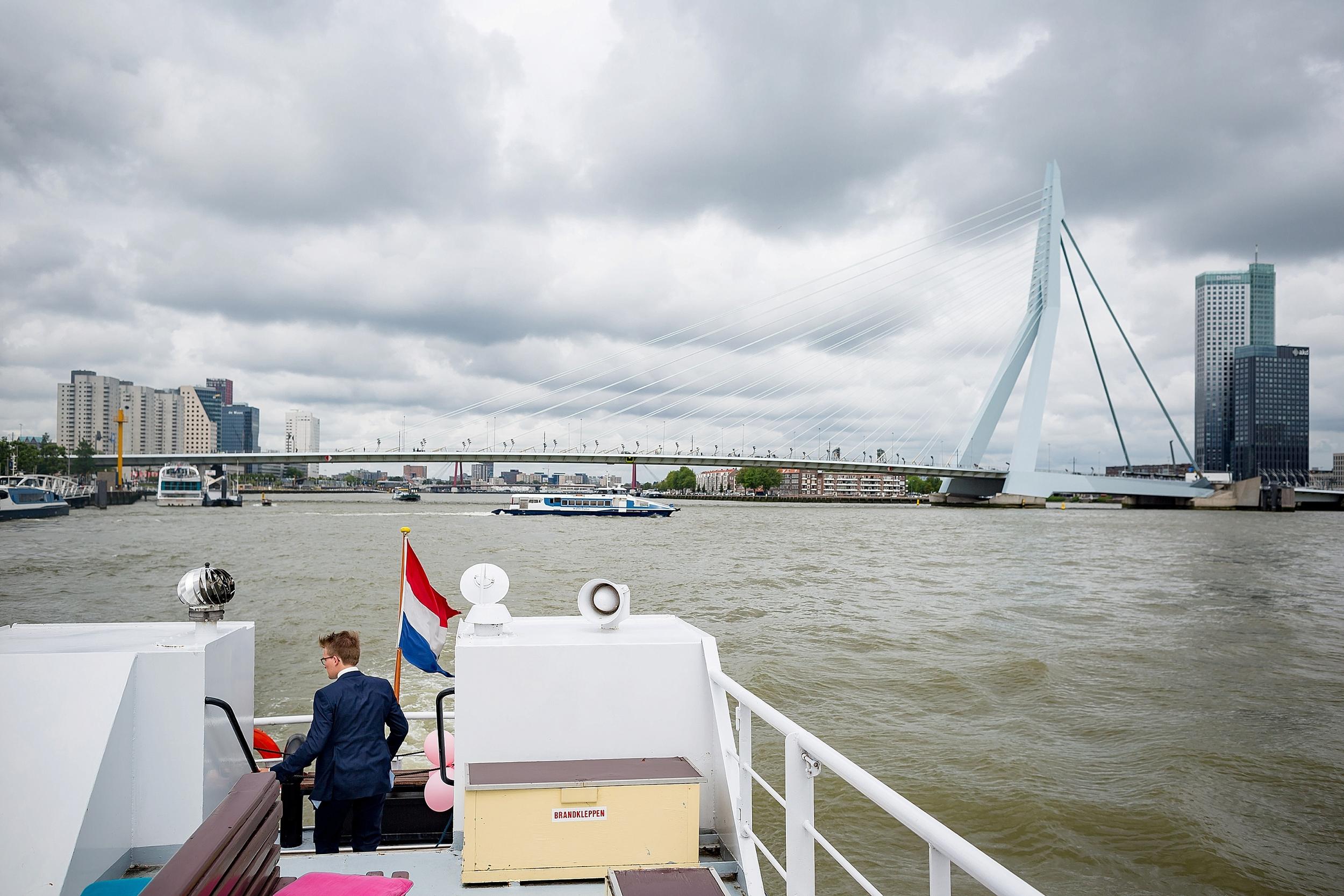 trouwfotografie_LNRD_rotterdam-zuid-holland-koetshuis-Adriaen-Janszkerk_0721.jpg