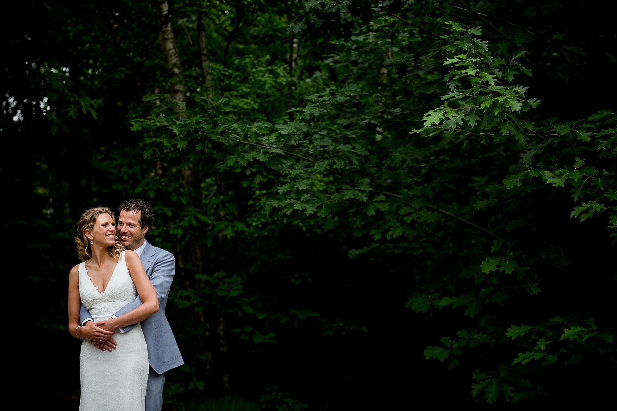bruidsfotograaf-brabant-trouwen-in-het-bos-festivalbruiloft-vught-haaren_0081.jpg