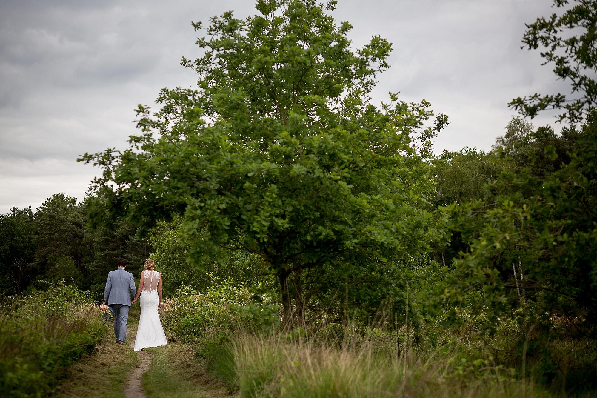 bruidsfotograaf-brabant-trouwen-in-het-bos-festivalbruiloft-vught-haaren_0082.jpg