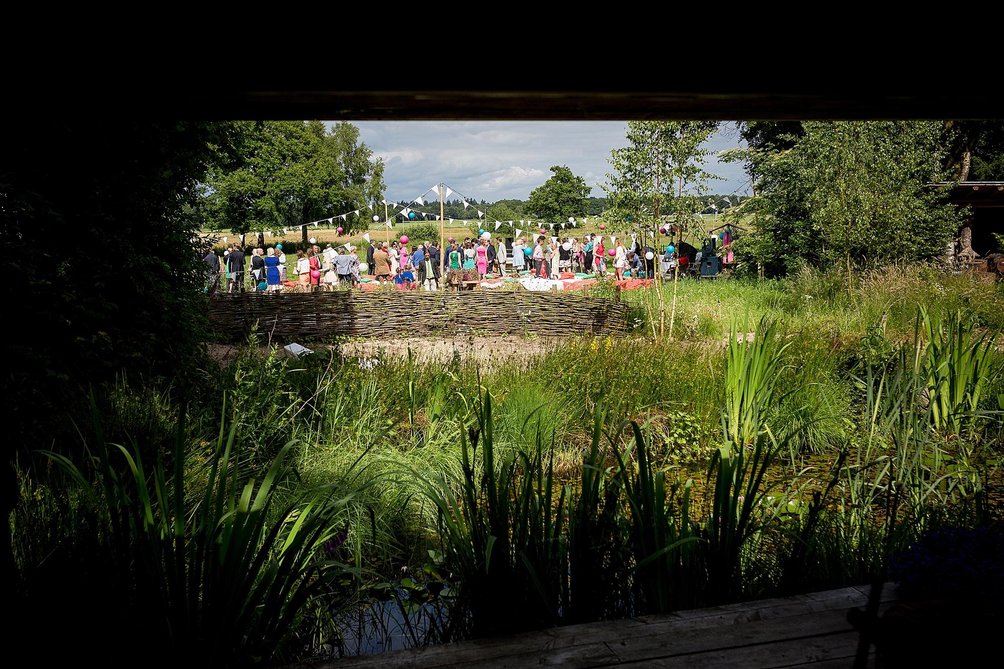bruidsfotograaf-brabant-trouwen-in-het-bos-festivalbruiloft-vught-haaren_0098.jpg