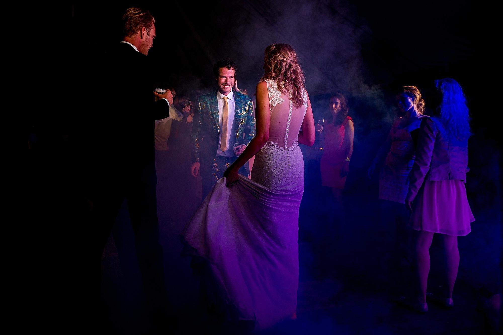 bruidsfotograaf-brabant-trouwen-in-het-bos-festivalbruiloft-vught-haaren_0111.jpg