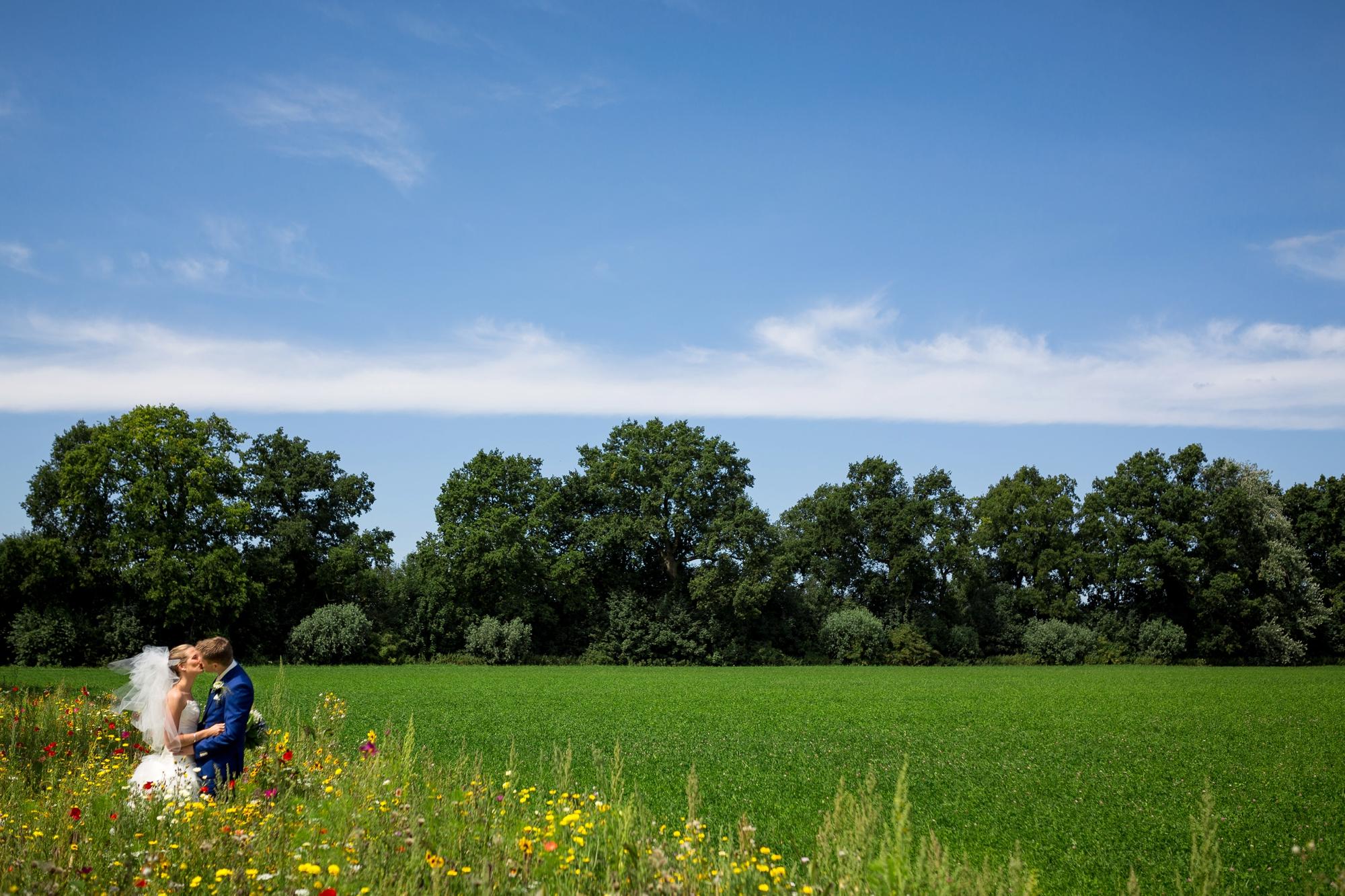 LNRD-bruidsfotograaf-landgoed-marienwaerdt-betuwe-gelderland_0977.jpg