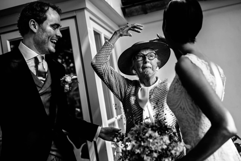 buitenbruiloft-landgoed-pijnenburg-soest-utrecht-bruidsfotograaf-8.jpg