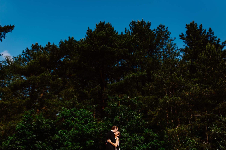buitenbruiloft-landgoed-pijnenburg-soest-utrecht-bruidsfotograaf-9.jpg
