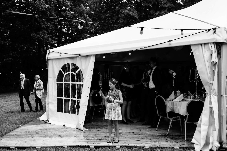 buitenbruiloft-landgoed-pijnenburg-soest-utrecht-bruidsfotograaf-32.jpg