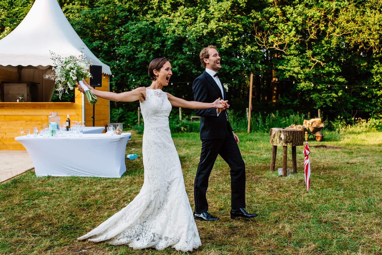 buitenbruiloft-landgoed-pijnenburg-soest-utrecht-bruidsfotograaf-40.jpg