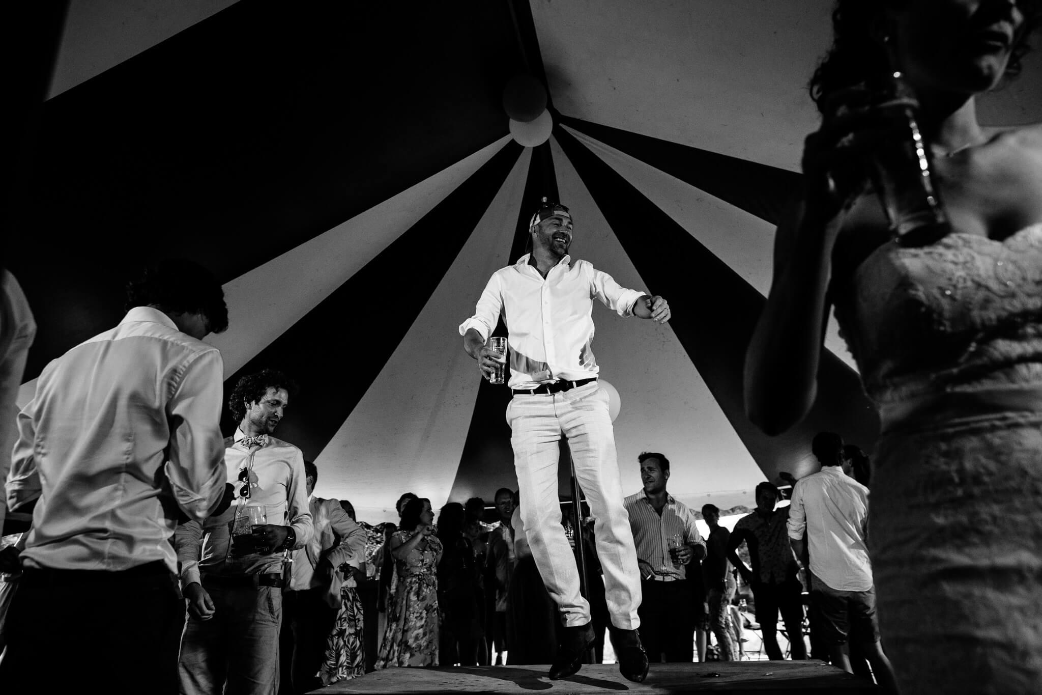 festivalbruiloft-bruidsfotograaf-utrecht-29.jpg