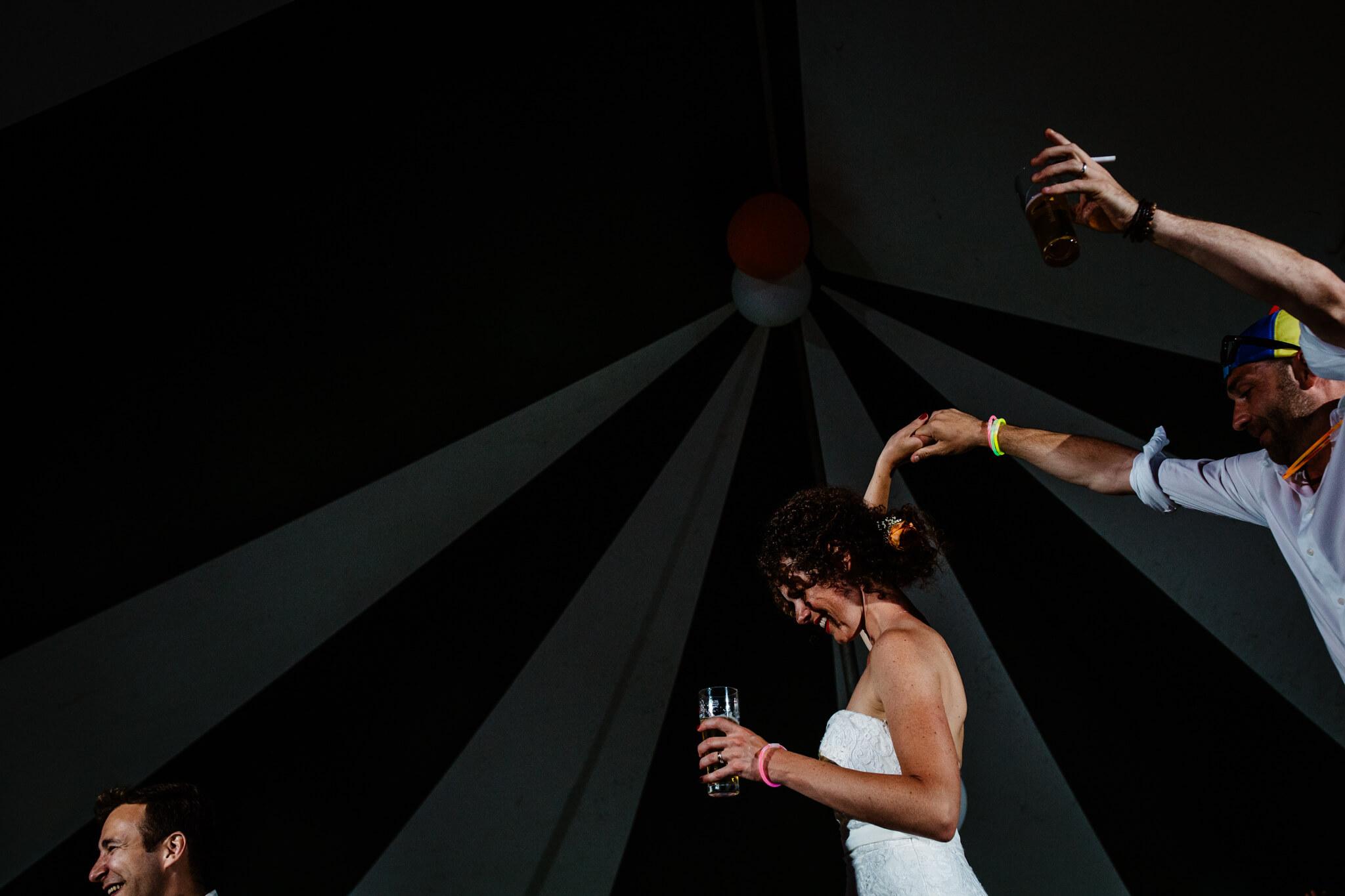 festivalbruiloft-bruidsfotograaf-utrecht-30.jpg