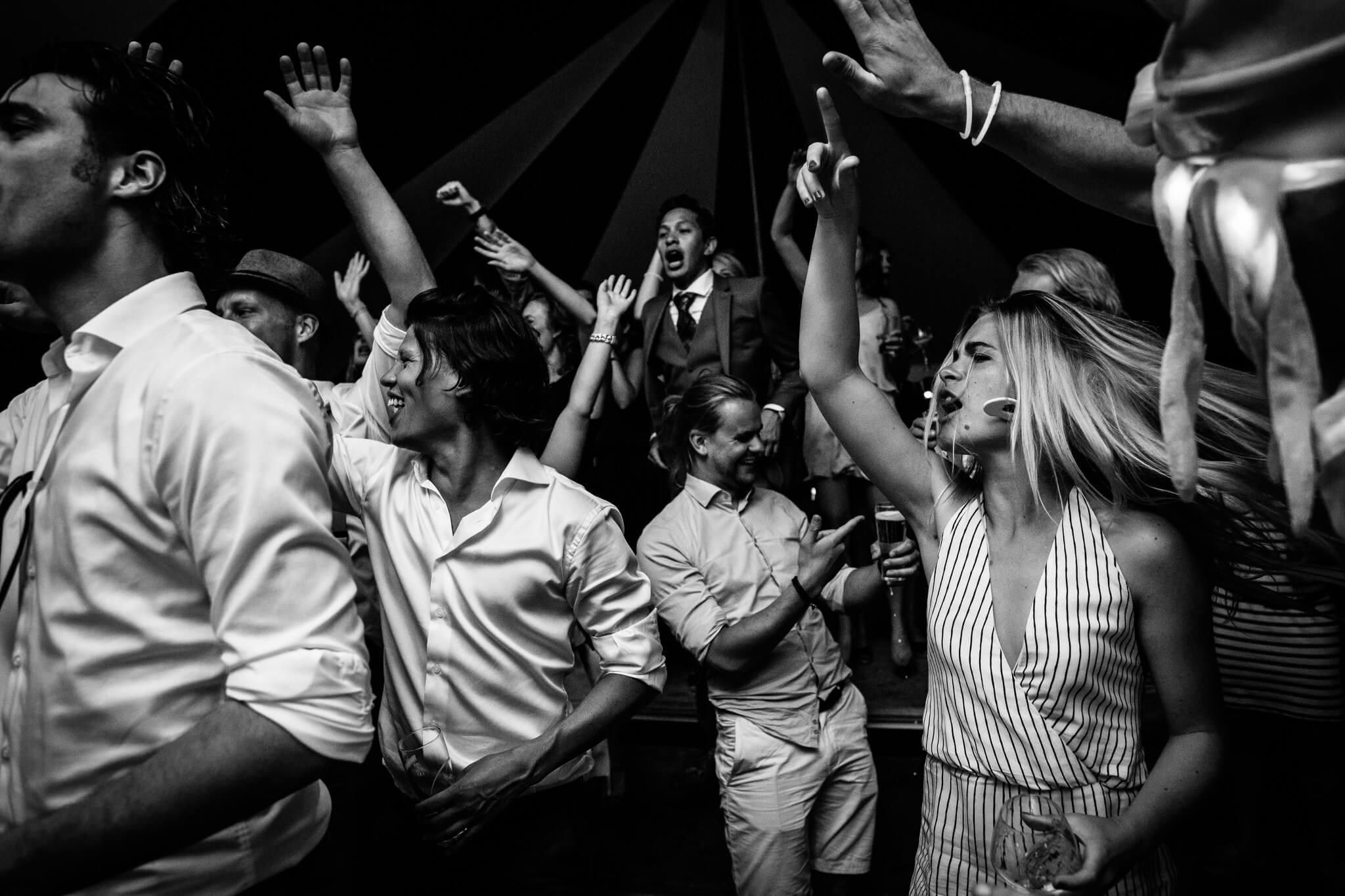 festivalbruiloft-bruidsfotograaf-utrecht-36.jpg