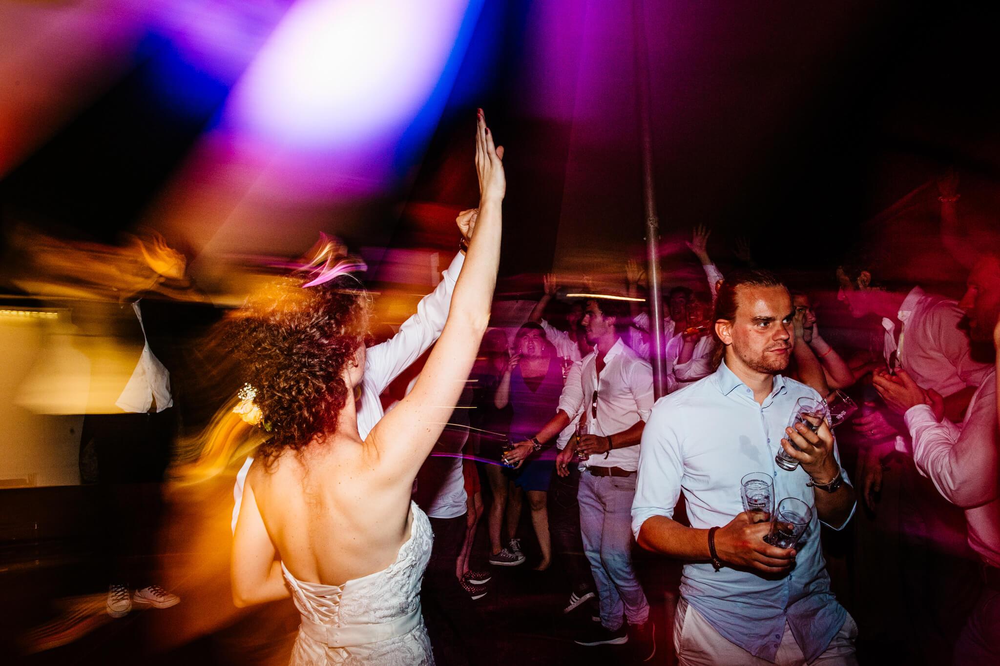 festivalbruiloft-bruidsfotograaf-utrecht-38.jpg