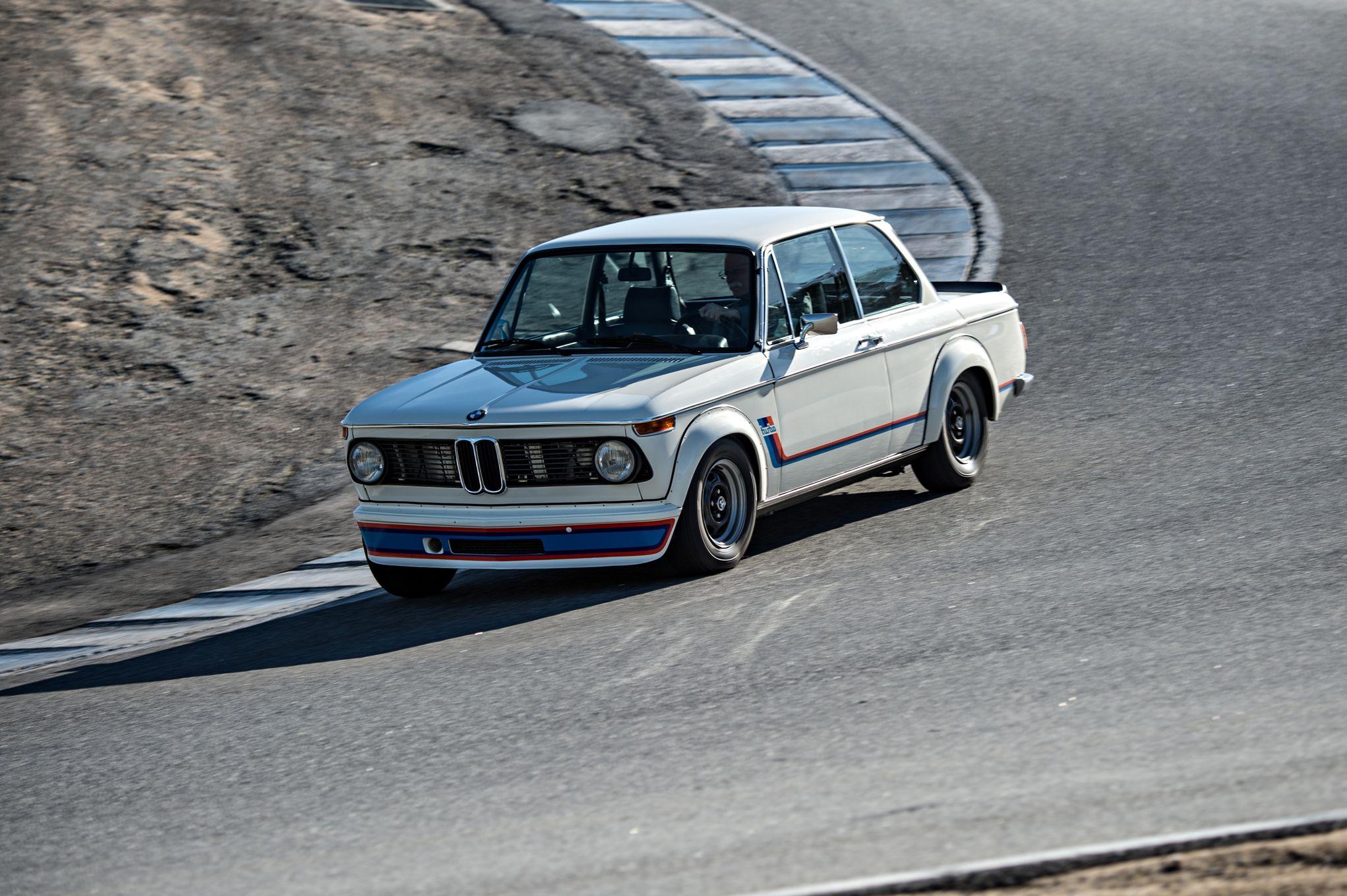 bmw-2002-turbo-front-three-quarter-in-motion-03.jpg
