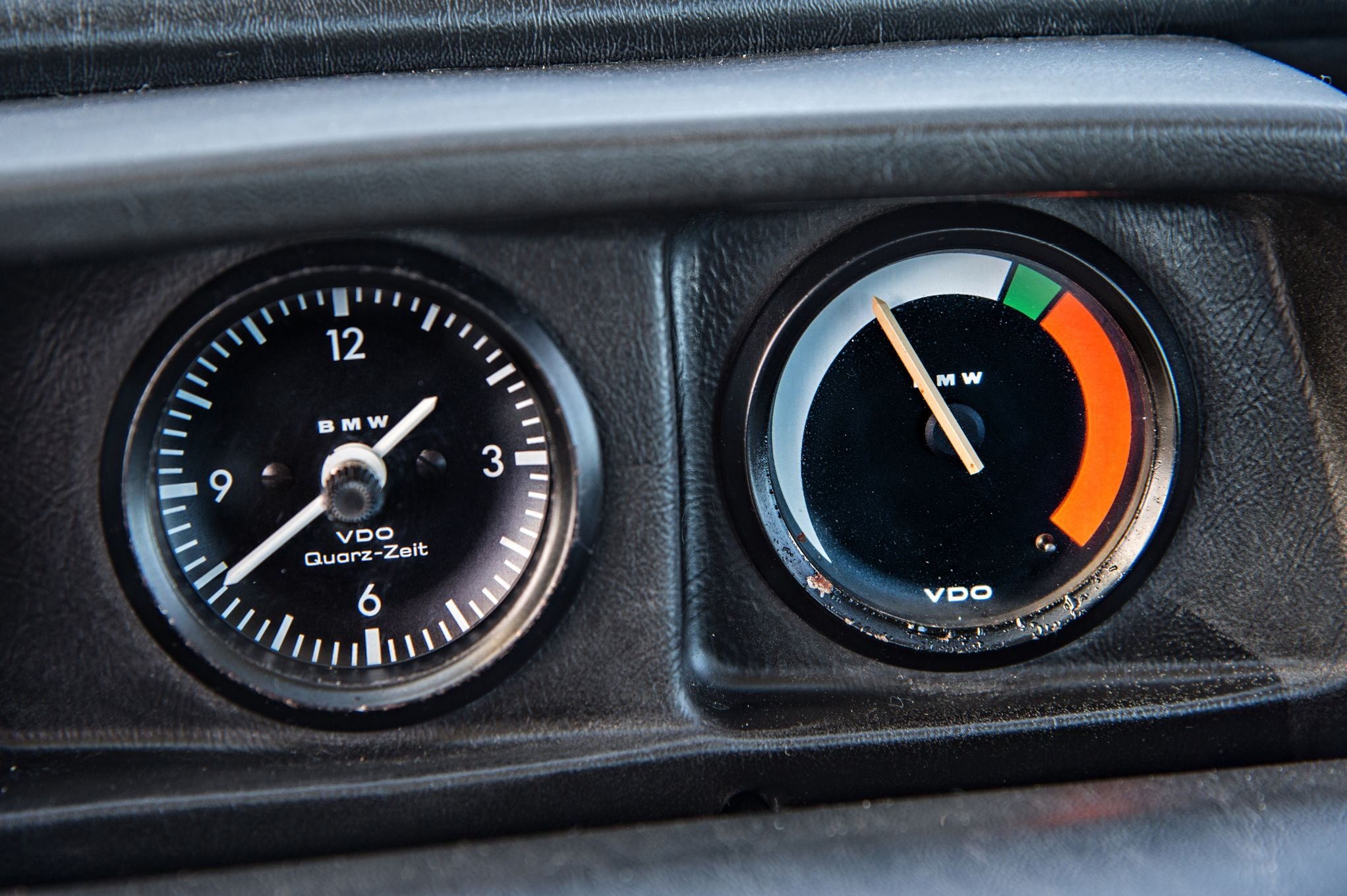 bmw-2002-turbo-gauge.jpg