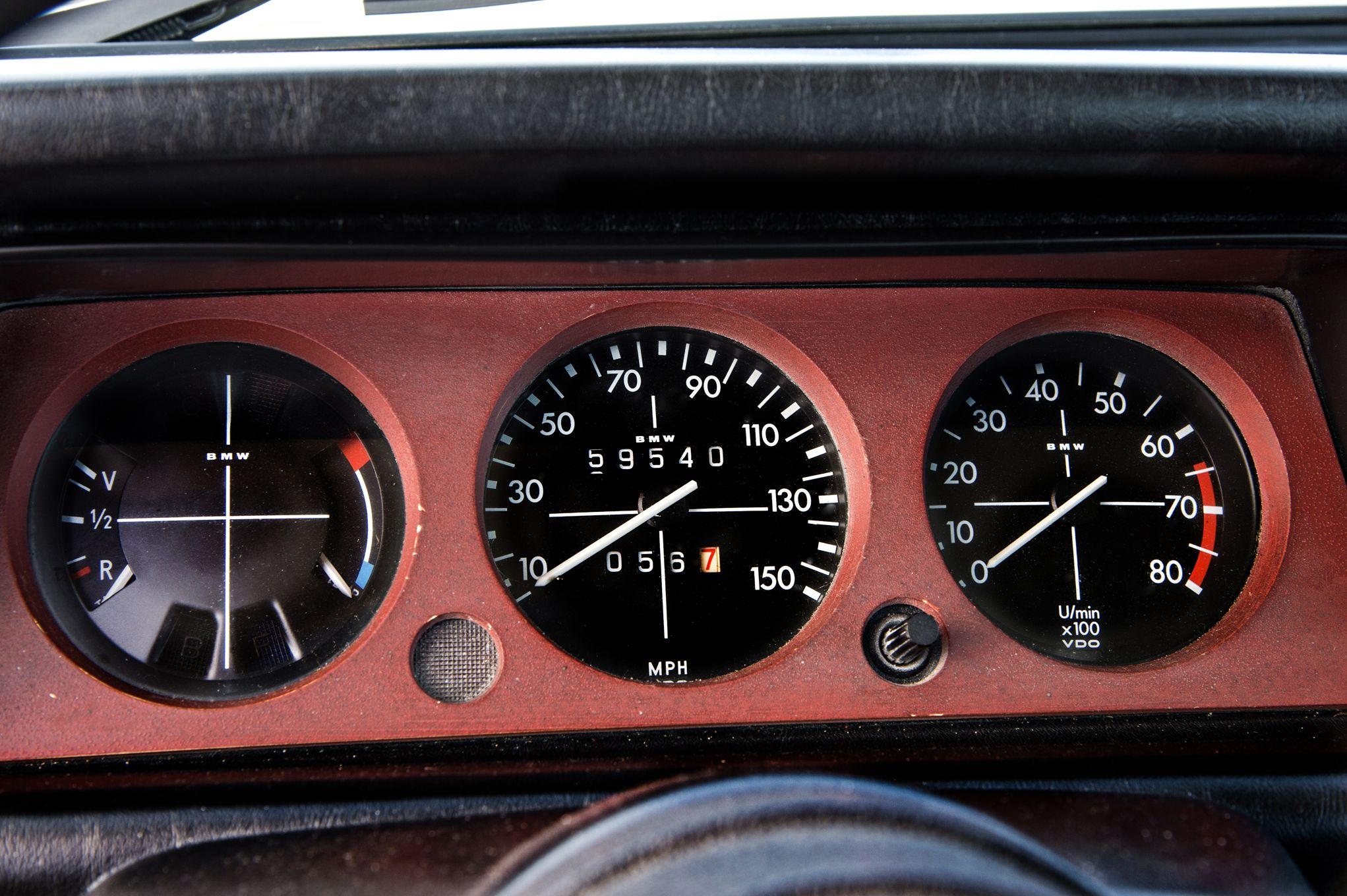bmw-2002-turbo-gauges.jpg