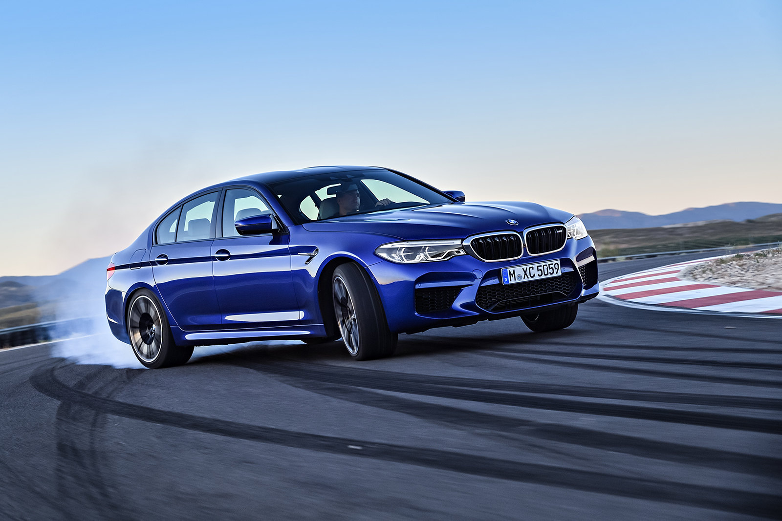 P90272990_highRes_the-new-bmw-m5-08-20.jpg