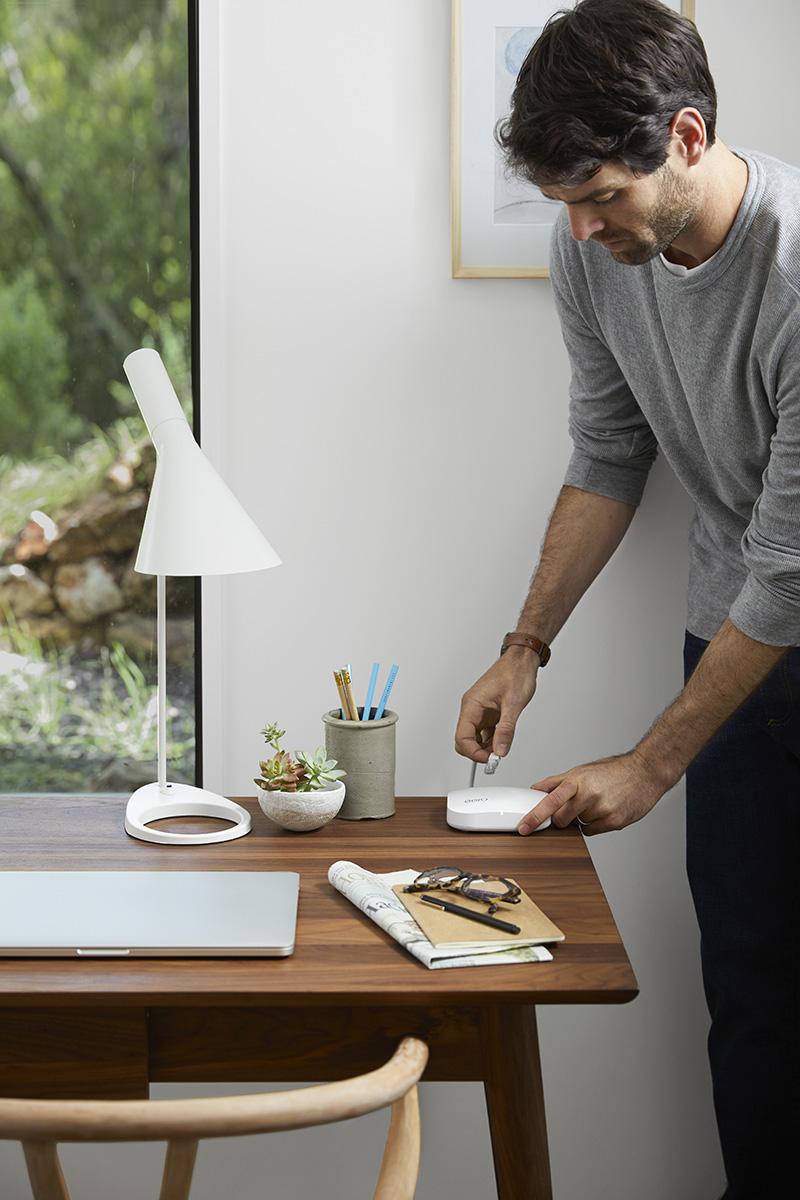2018_0121_Eero Desk Plug In 051-R1.jpg