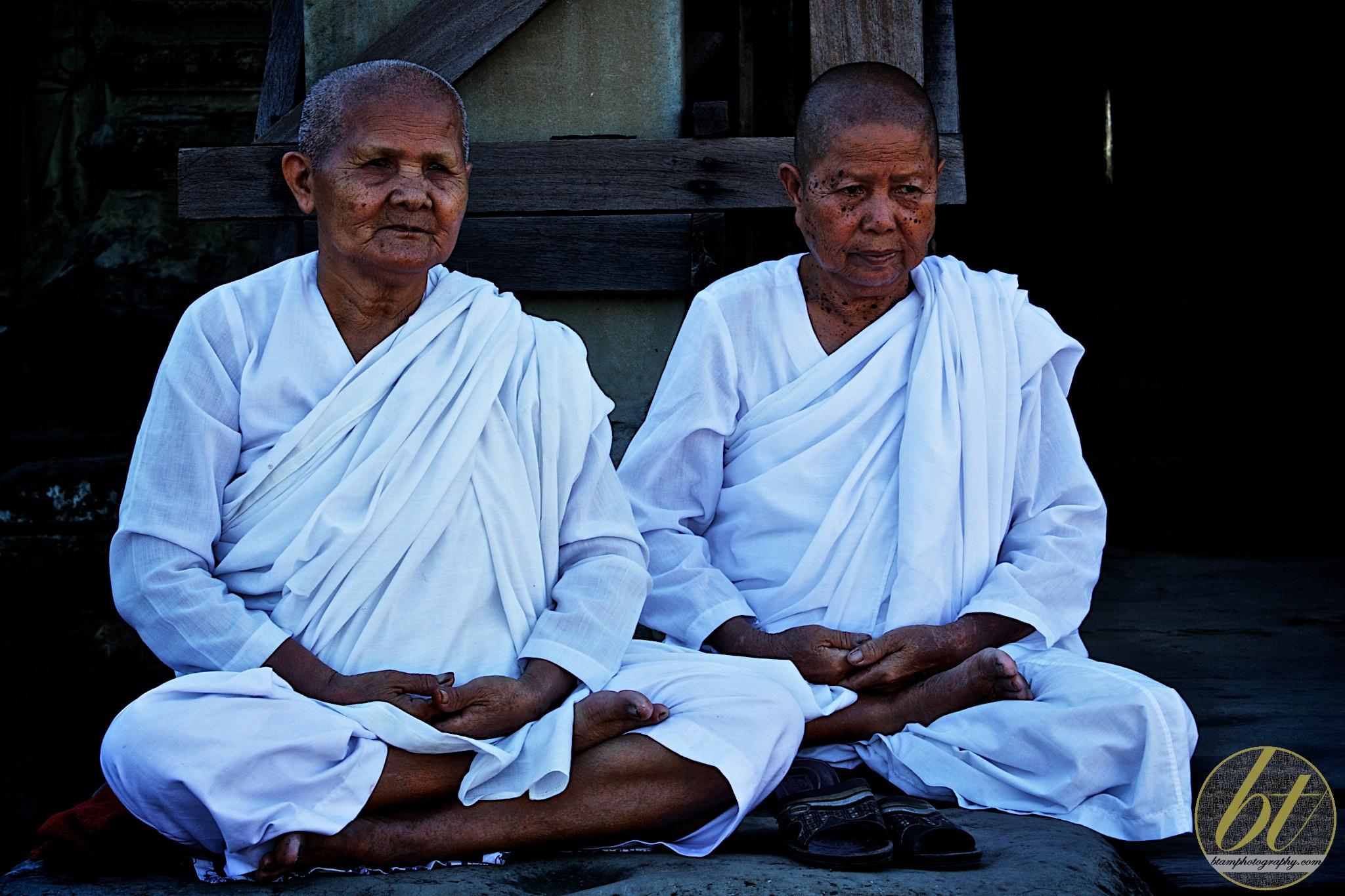 Angkor Wat's female monks