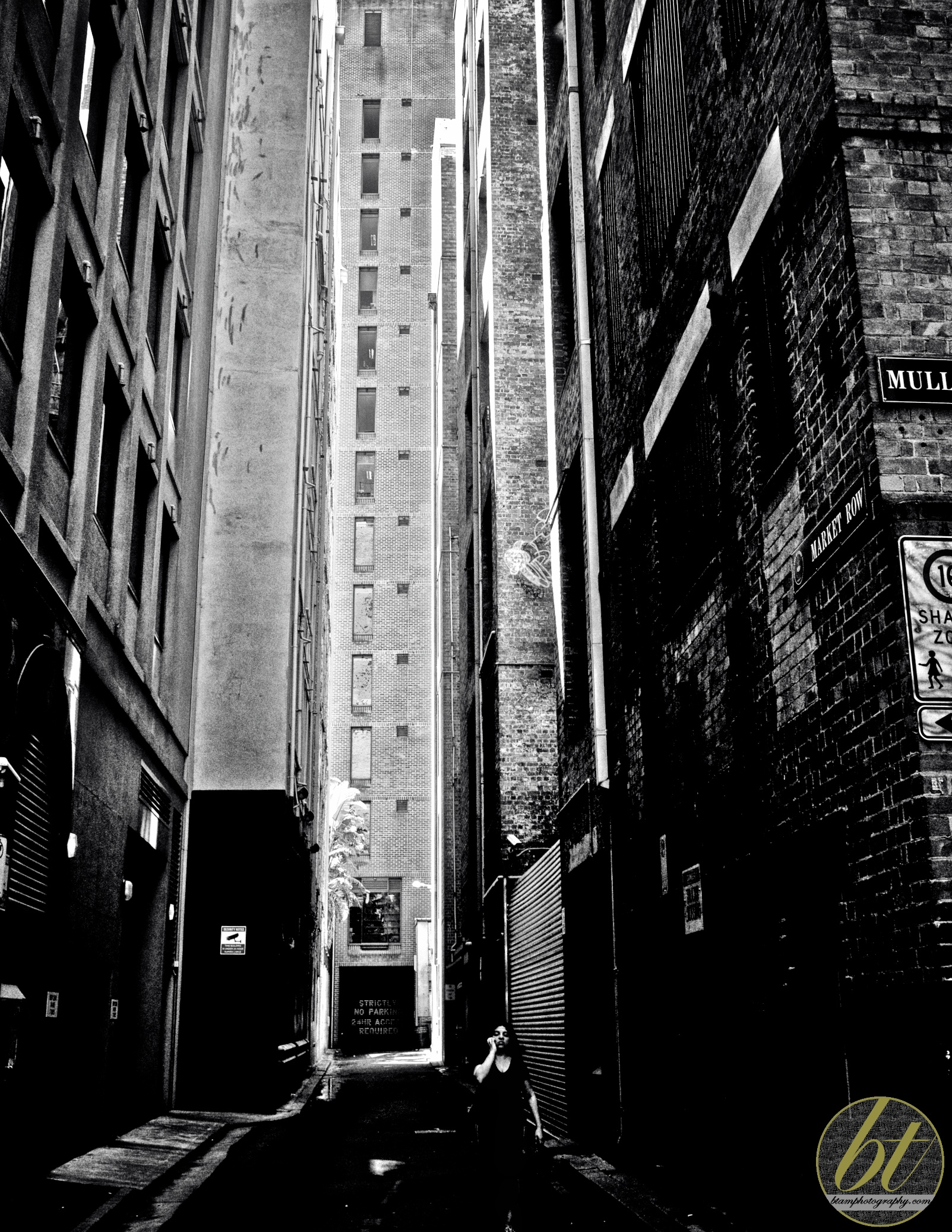 Market Row alleyway