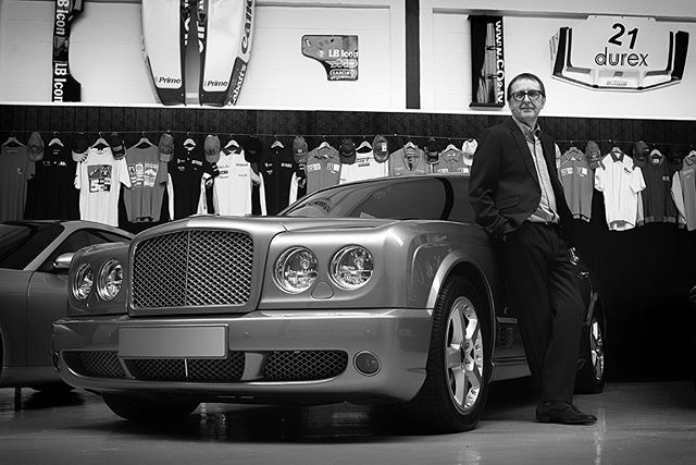 Working on location in #Cheshire Award winning #corporateportrait photography #headshots #editorial #reportage #Bentley #photojournalism