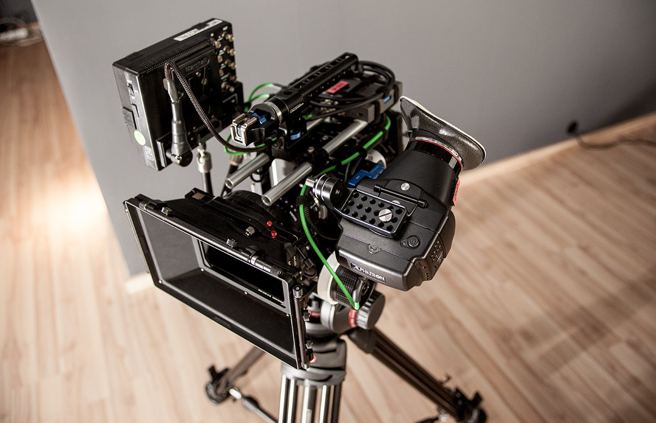 "TILTA Rigged BMCC with Alphatron EVF, Marshall 7"", ARRI MMB-1, Chrosziel FF, SIGMA 8-16mm and a LOT of cables ;)"