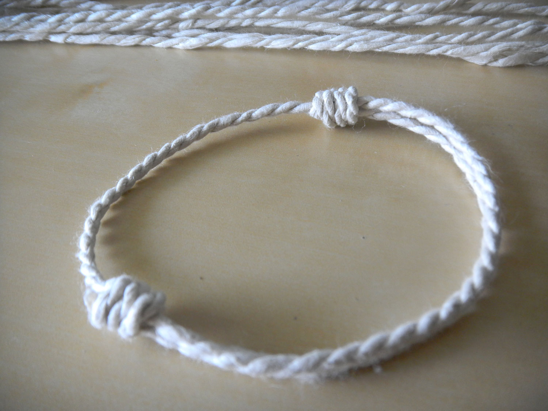 paper_cord_and_bracelet.jpg