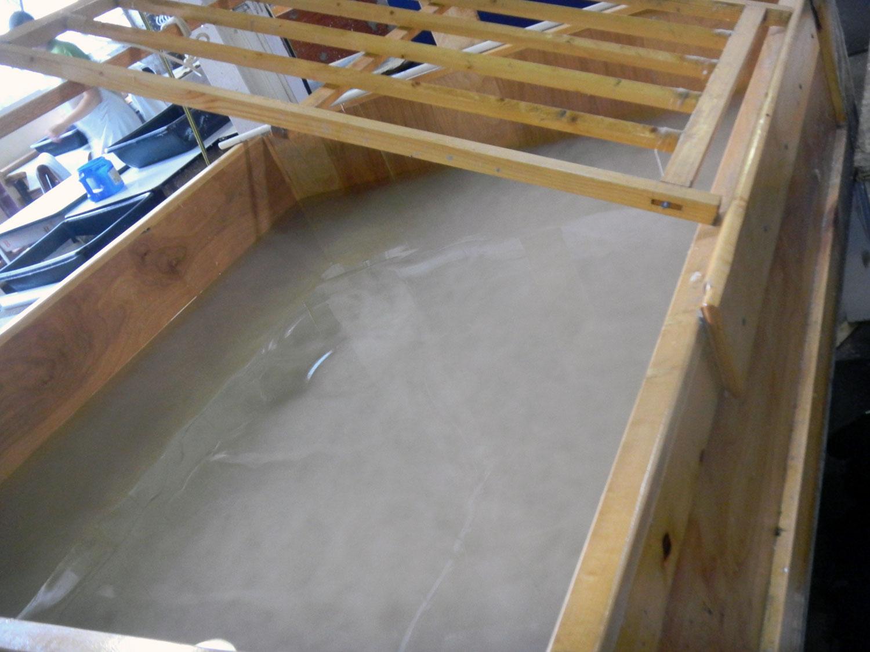 Paper making vat