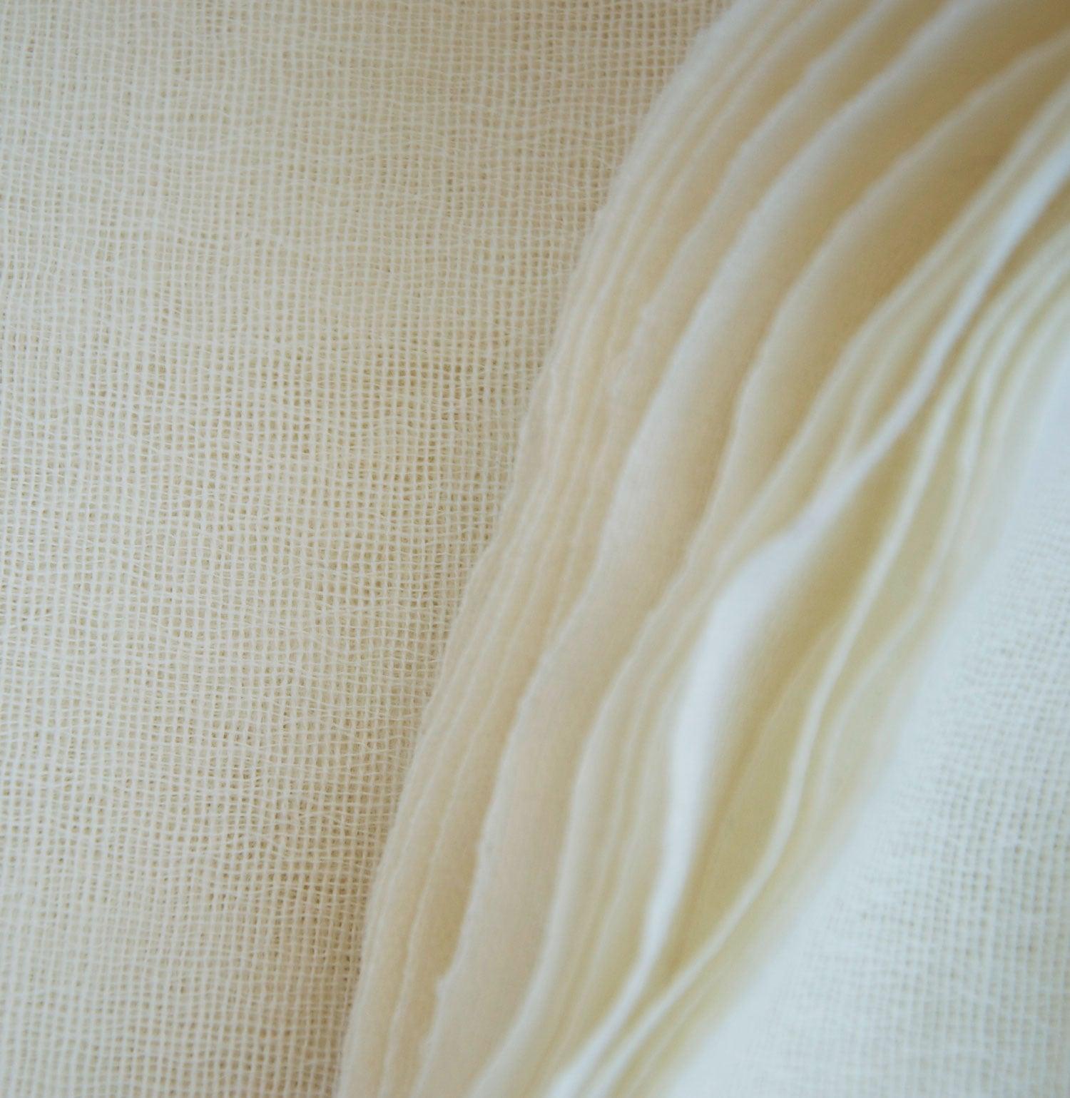 Detail_Gauze_Scarf_folded_2.jpg