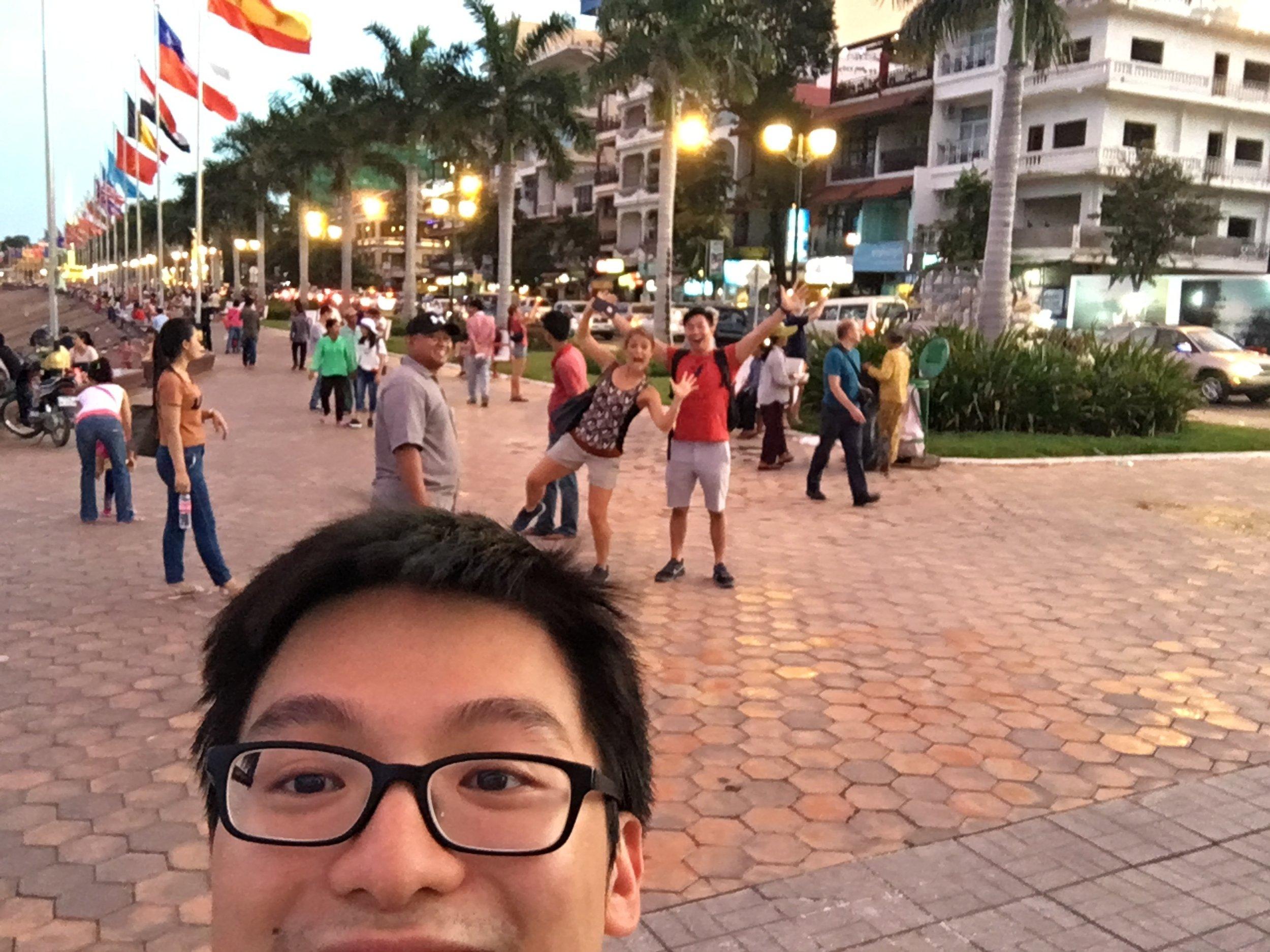 Having fun at Mumuot Ton Le. It's near the royal palace.