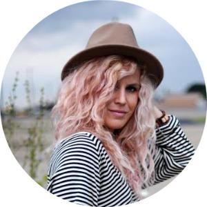 Andrea |  Blonde Bedhead   @ andreakerbuski