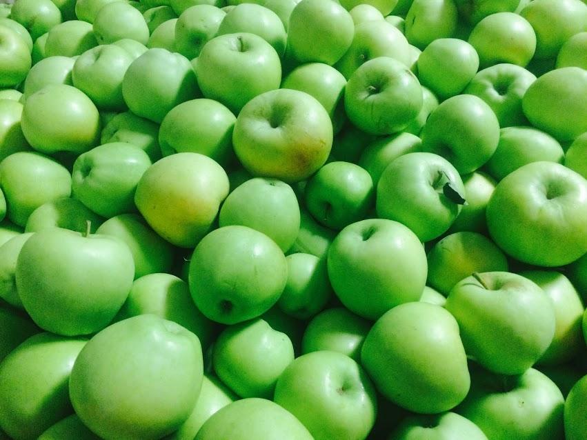 Crispin/Mutsu Apples