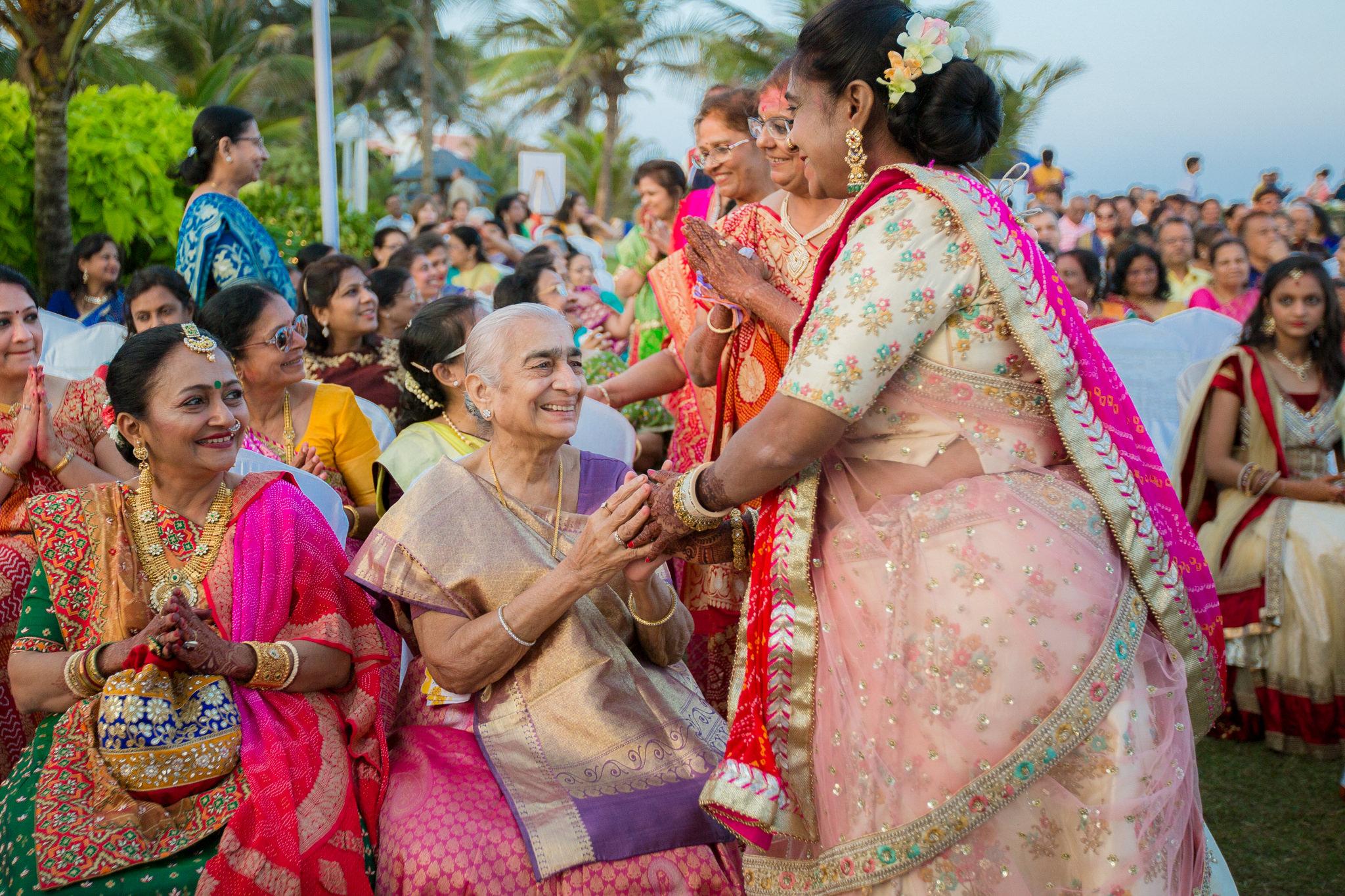 RushabhRiddhi_DestinationWedding_TempleBay_Mahabalipuram_091.jpg