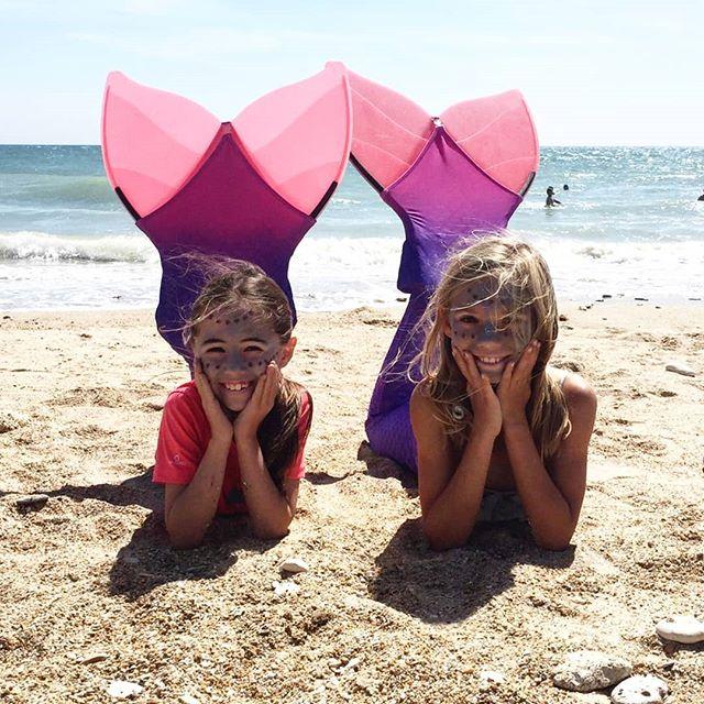 Les Petites Sirènes des Gollandières ❤️🌞🧜♀️Plus que demain pour profiter des initiations avec @nerees_palmes ! 🌺  Merci Aurore & Lola pour les jolies photos 📷 - - #mermaids #mermaid #mermaiding #kids #papaïplage #papaïkids #kids #enfant #iledere #ilederé #larochelle #charentemaritime #makeup #bio #organic #monopalm #monopalme #paddling #palm