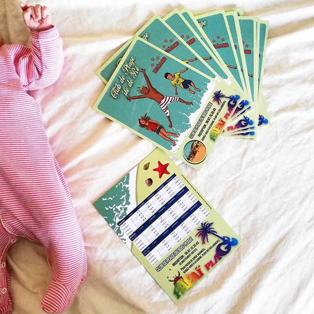 Nouveaux flyers pour Papaï Plage !!! 🦀🐙 Logo : @snart7studio Illustrateur : Thomas Manidren Et un Bébé qui a hâte d'aller au Club de Plage lui aussi 😉⛱️ - - #flyers #communication #kids #bébé #papaïplage #papaïkids #impression #illustration #design #logo #été #ilederé #iledere #charentemaritime #larochelle #vacances #famille #mariniere #petitbateau
