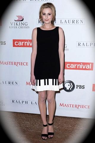Laura-Carmichael-moschino-dress.jpg
