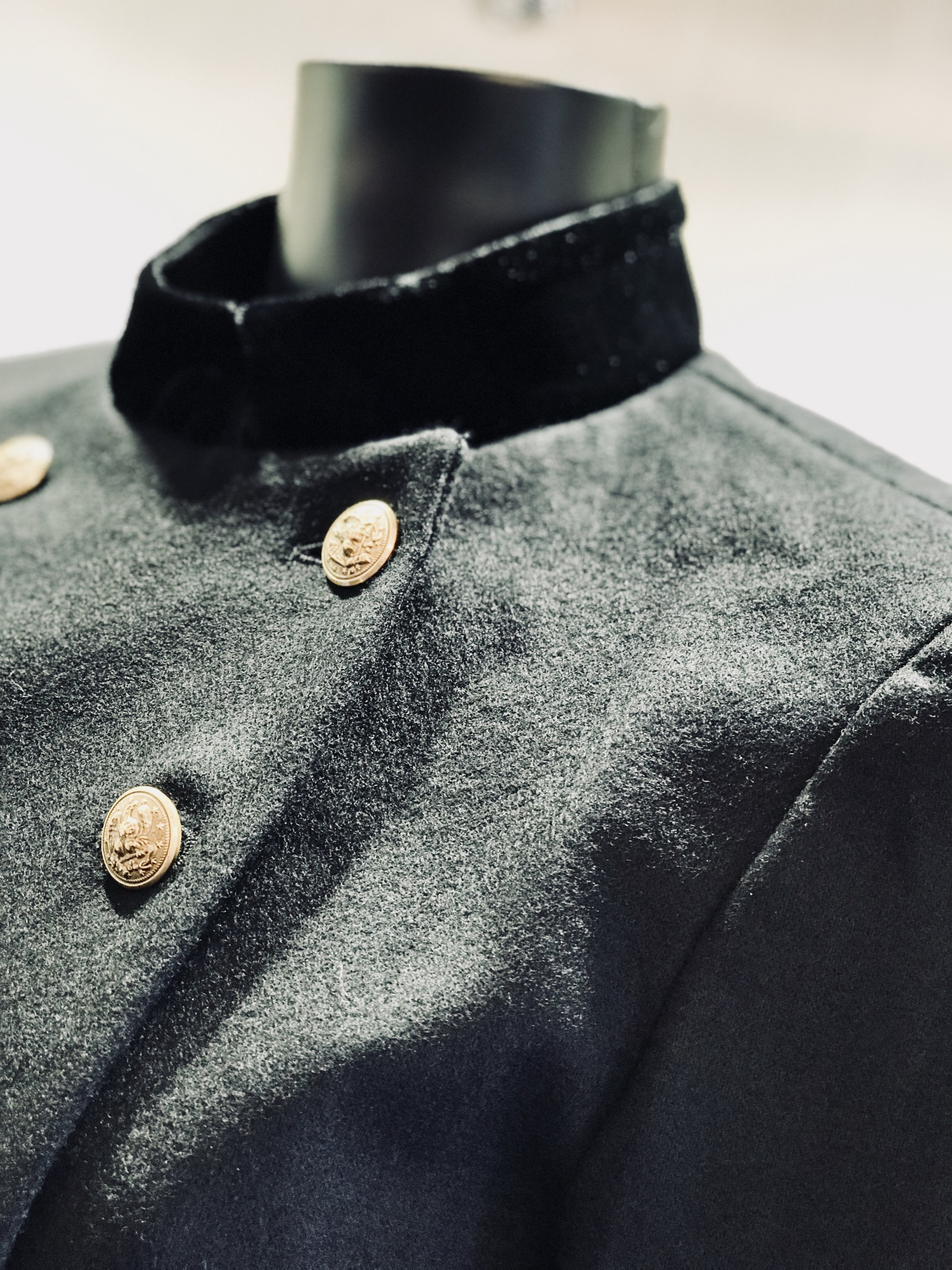 Cut slim for a modern fit, this menswear-inspired jacket features our favorite authentic military details: a velvet collar and cuffs, metallic bullion trim, and a double-breasted silhouette.
