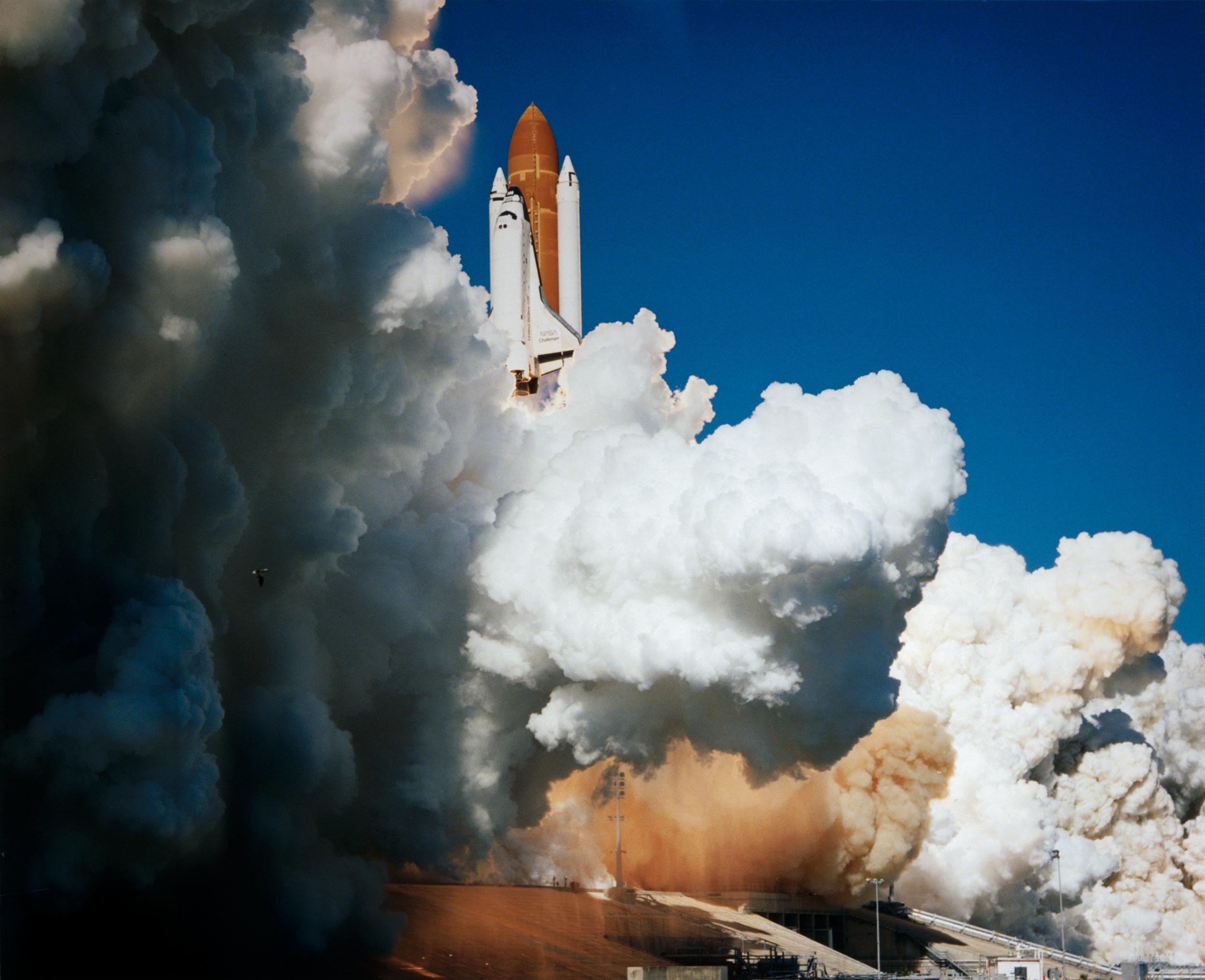 CHALLENGER LAUNCH SMOKE NASA.jpg