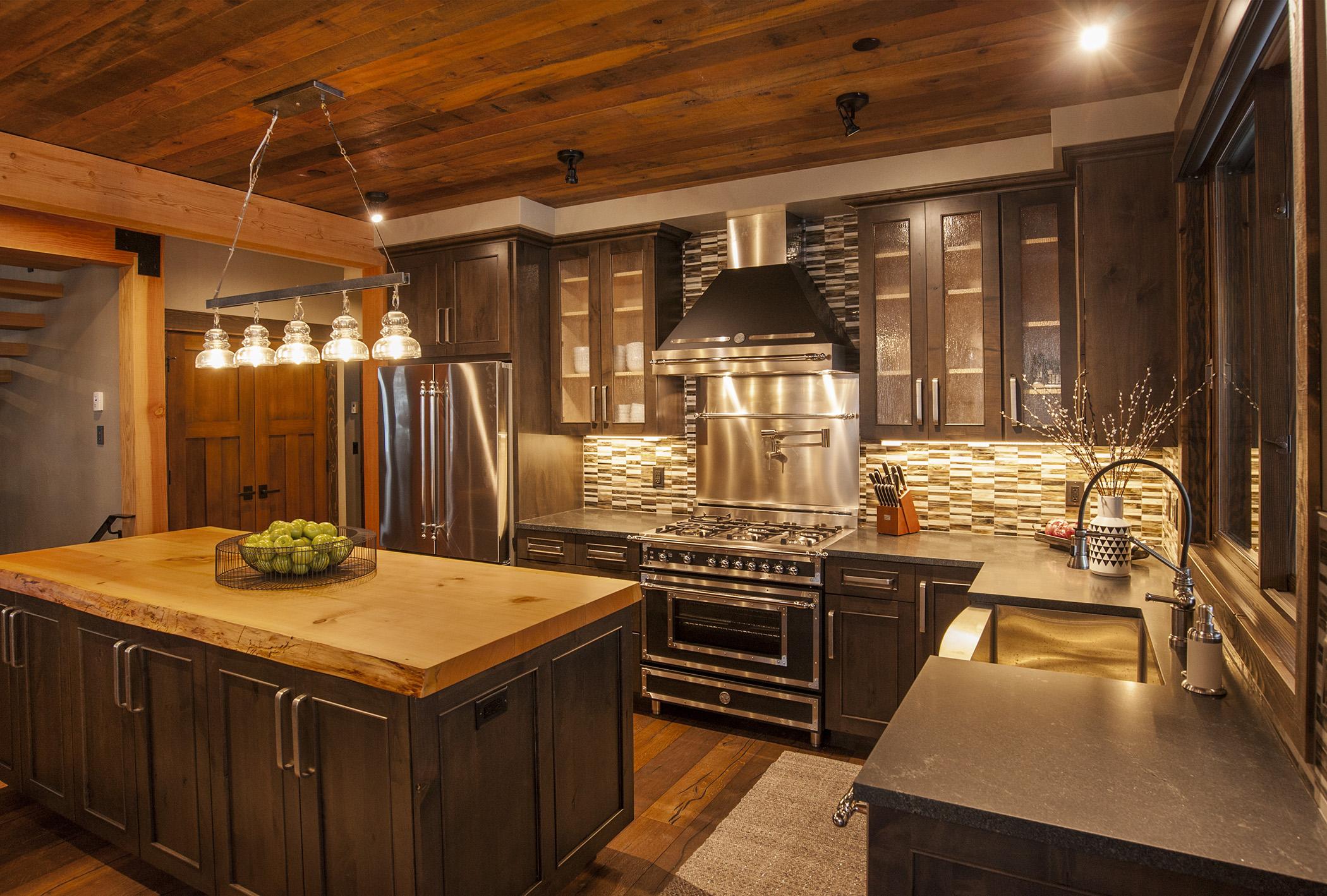 kitchen2 sm.jpg