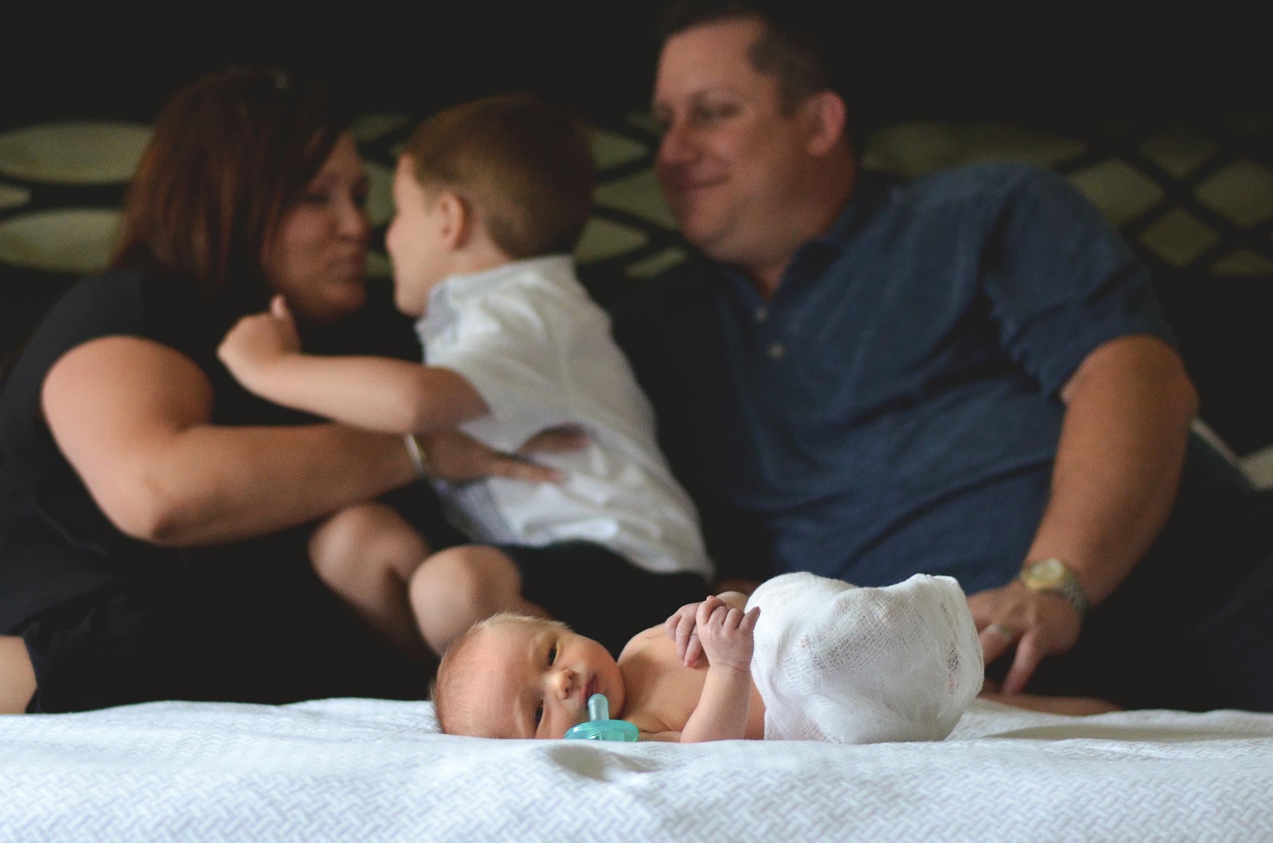 Tristan Newborn-16.jpg