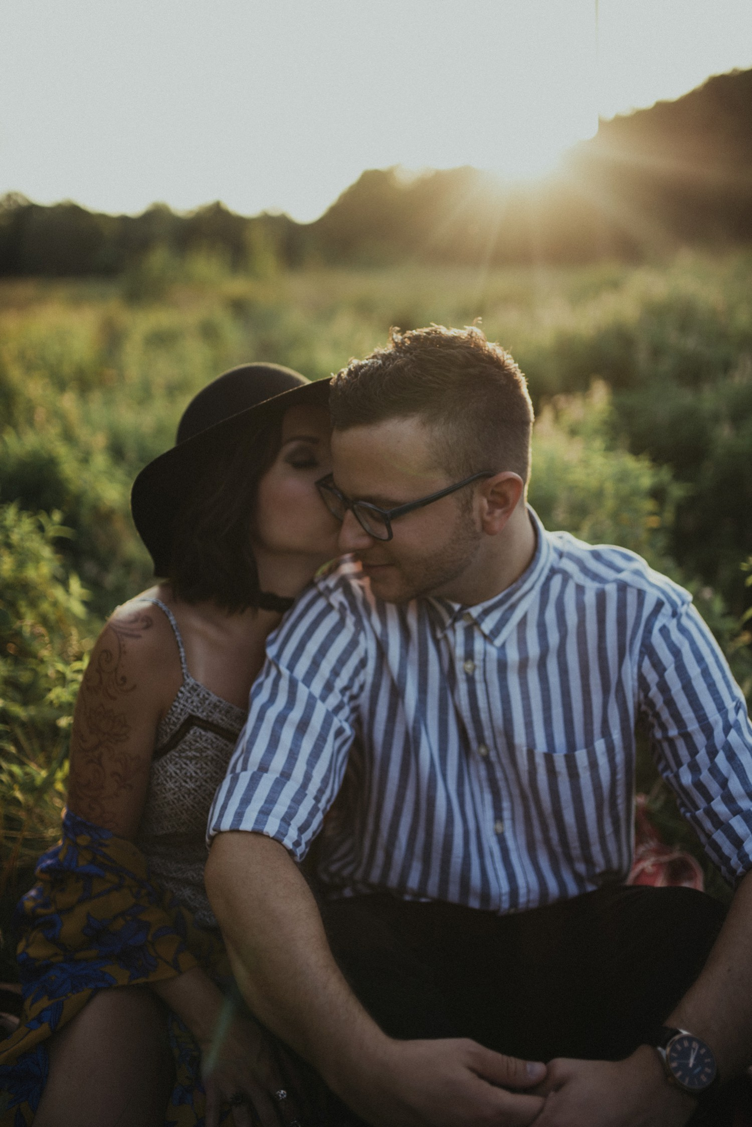 intimate-river-engagement-photos_1170.jpg