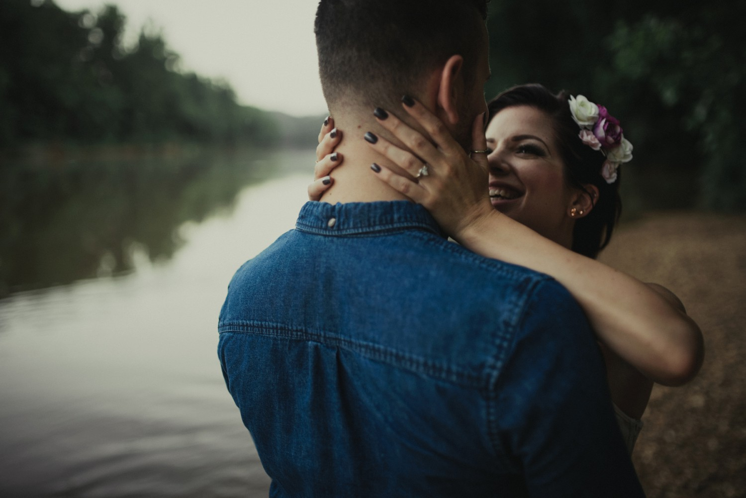 intimate-river-engagement-photos_1173.jpg