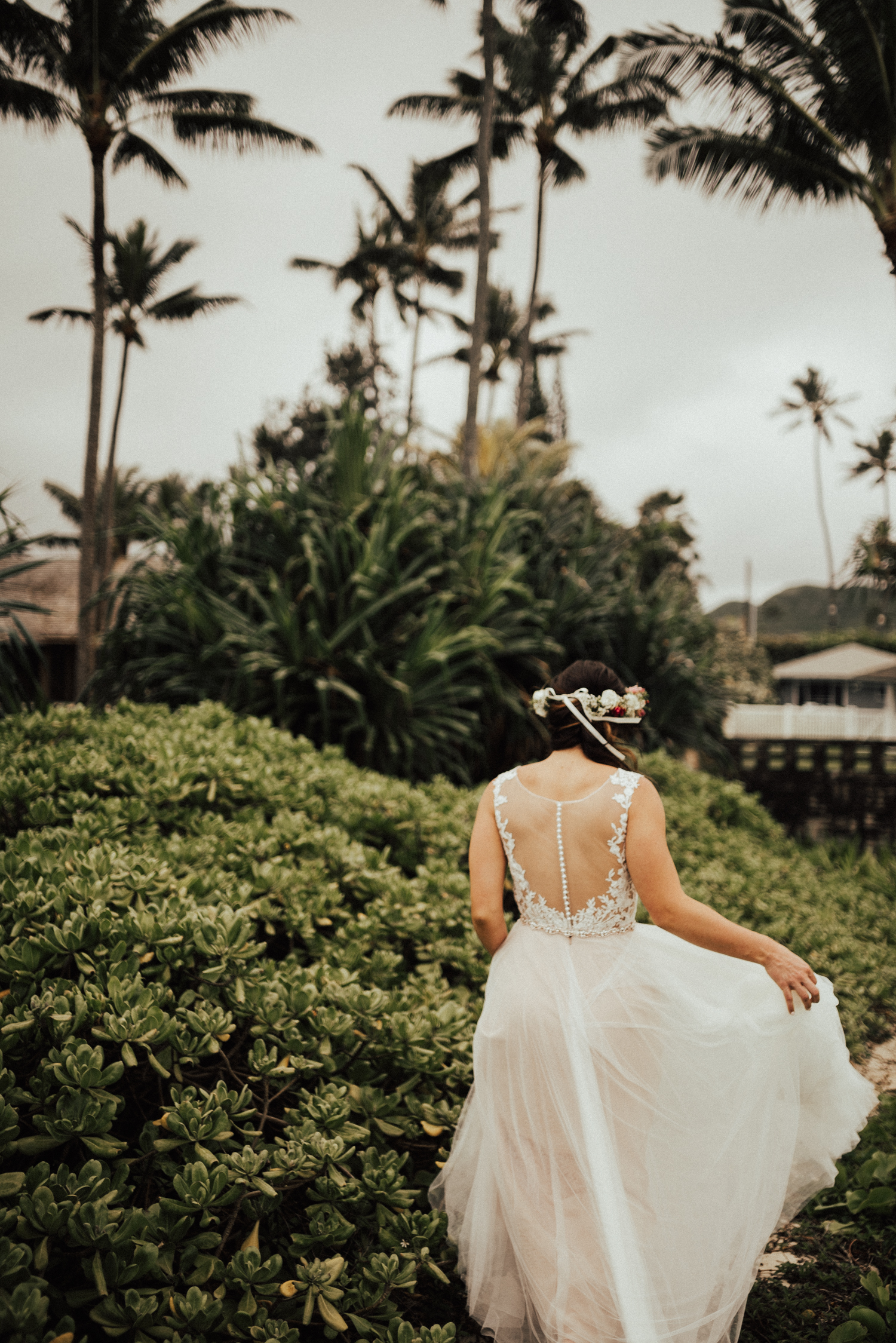 adventurous-Hawaii-elopement-photographers-15.jpg