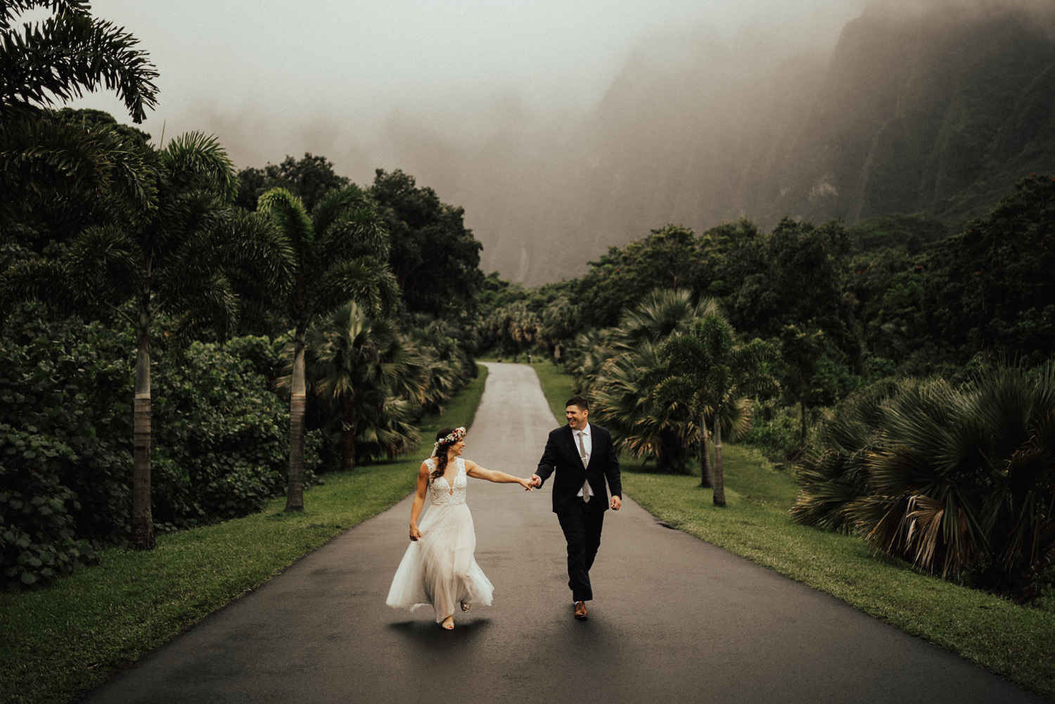 adventurous-Hawaii-elopement-photographers-31.jpg