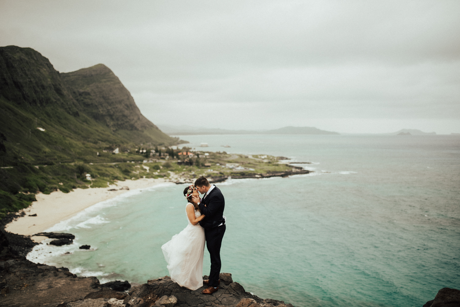 adventurous-Hawaii-elopement-photographers-37.jpg