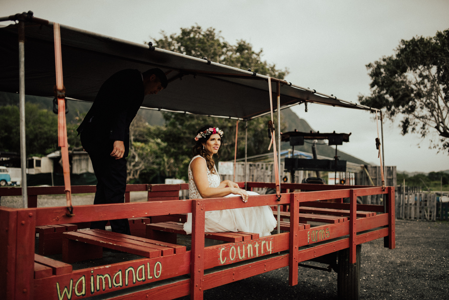 adventurous-Hawaii-elopement-photographers-41.jpg