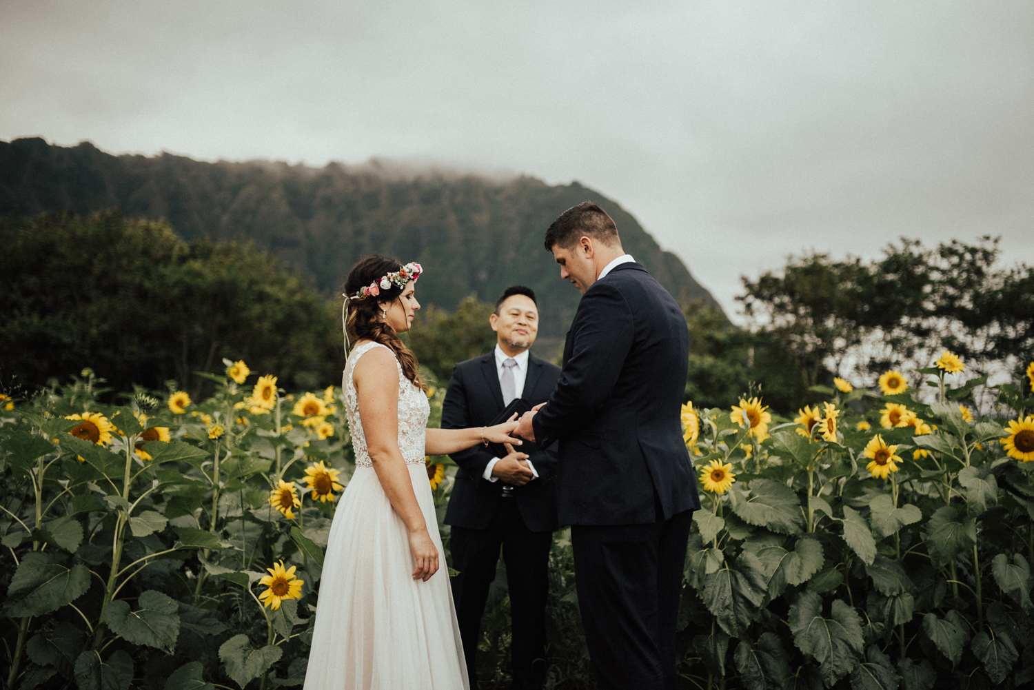 adventurous-Hawaii-elopement-photographers-53.jpg