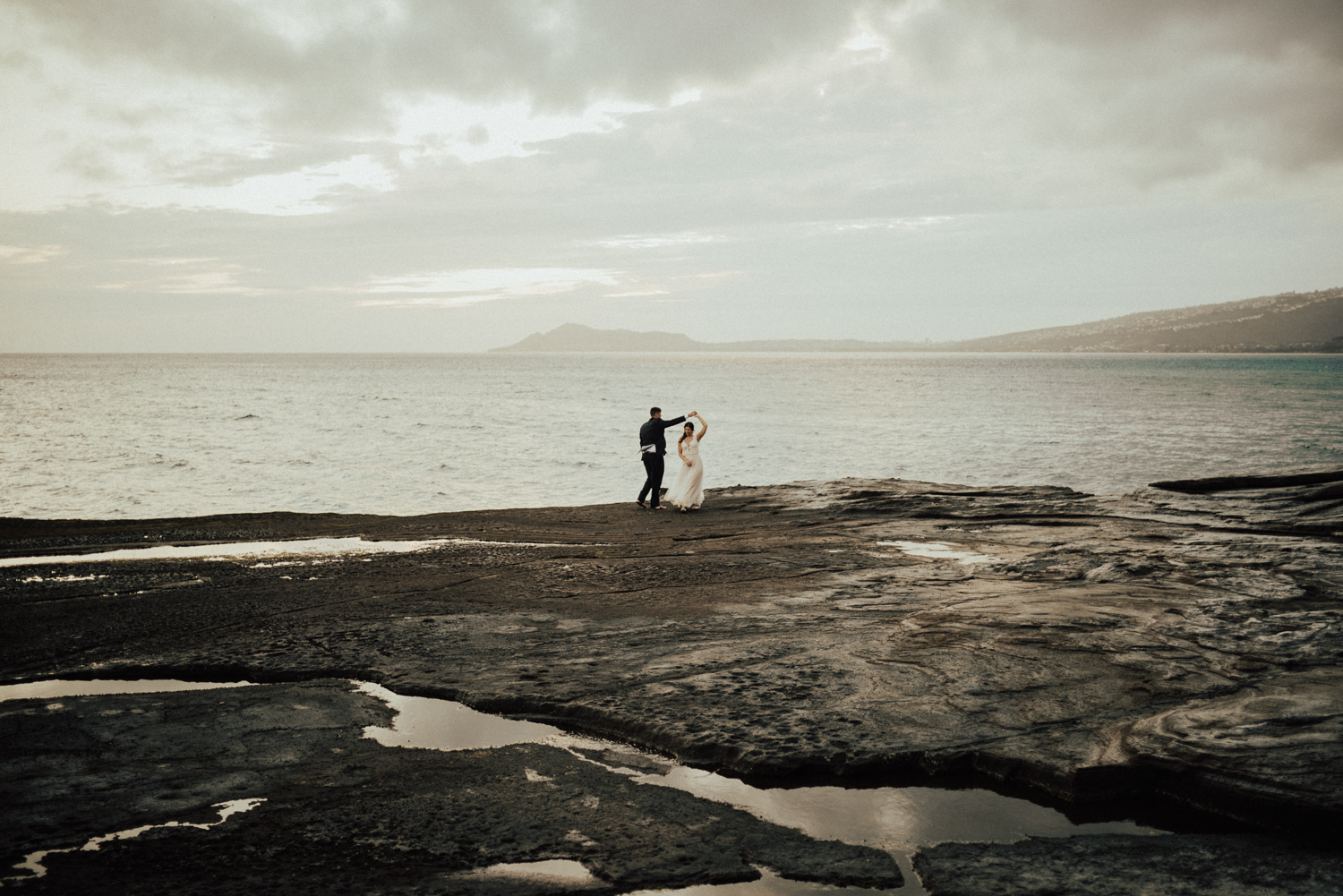 adventurous-Hawaii-elopement-photographers-76.jpg