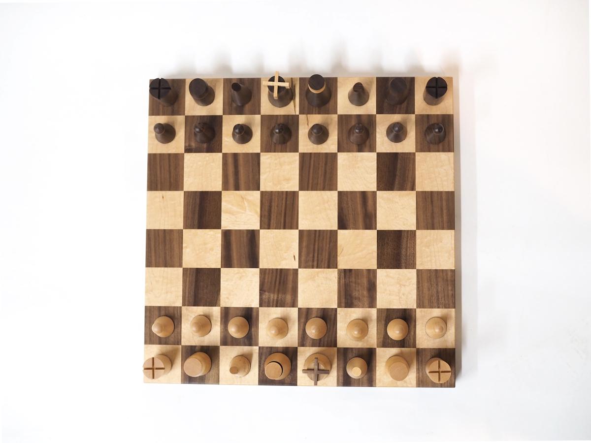 wooden-chess-set-maple-walnut.jpg